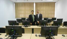 Adilton Carneiro (diretor-presidente da Fipase) e Flavio de Barros (presidente do PISO) no Centro de Capacitação em Software (270x203)