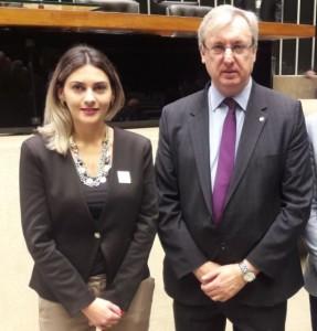 Vanusa de Sá, representando o presidente da Anprotec, Jorge Audy.